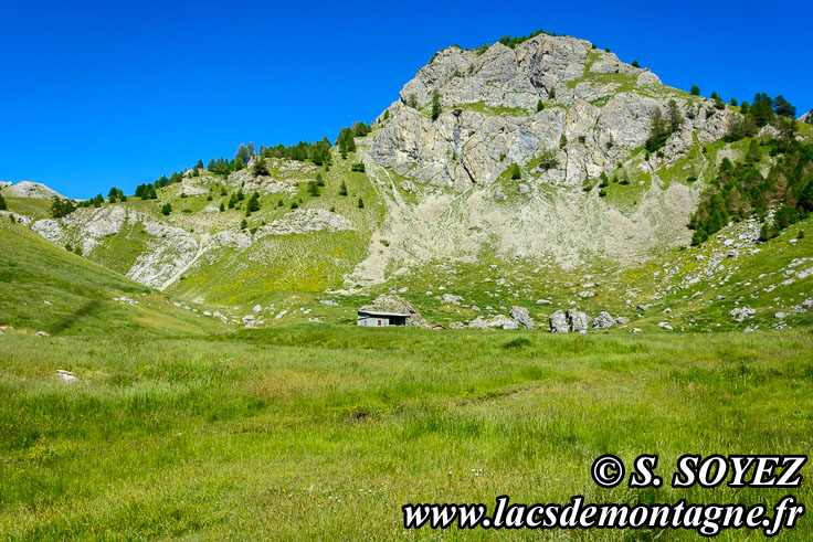 Photo n°201607220 Cabane du Lauzet (2090m) (Limite Guillestrois - Queyras) Cliché Serge SOYEZ Copyright Reproduction interdite sans autorisation