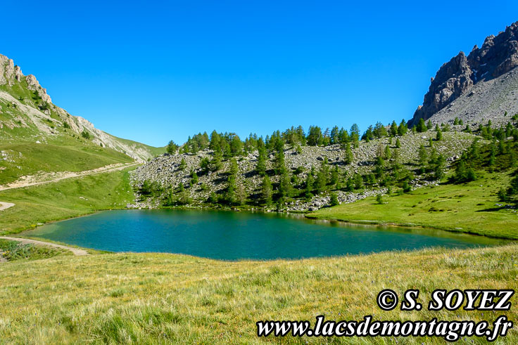 Photo n°201607214 Lac moyen du Lauzet (2210m) (Limite Guillestrois - Queyras) Cliché Serge SOYEZ Copyright Reproduction interdite sans autorisation