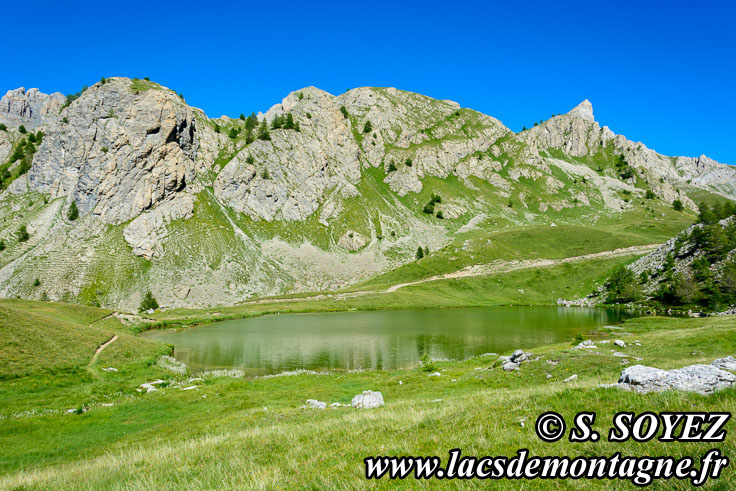 Photo n°201607215 Lac moyen du Lauzet (2210m) (Limite Guillestrois - Queyras) Cliché Serge SOYEZ Copyright Reproduction interdite sans autorisation