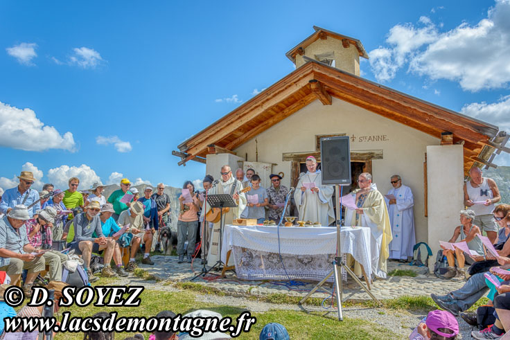 Photo n°201807103 Messe à la Chapelle Sainte-Anne (2415m) (Queyras, Hautes-Alpes) Cliché Dominique SOYEZ Copyright Reproduction interdite sans autorisation