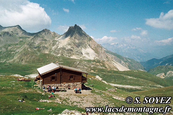 Photo n°19890706bis Refuge du Thabor (2495m) (Mont Thabor, Savoie) Cliché Serge SOYEZ Copyright Reproduction interdite sans autorisation